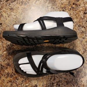 Chacos sz 8